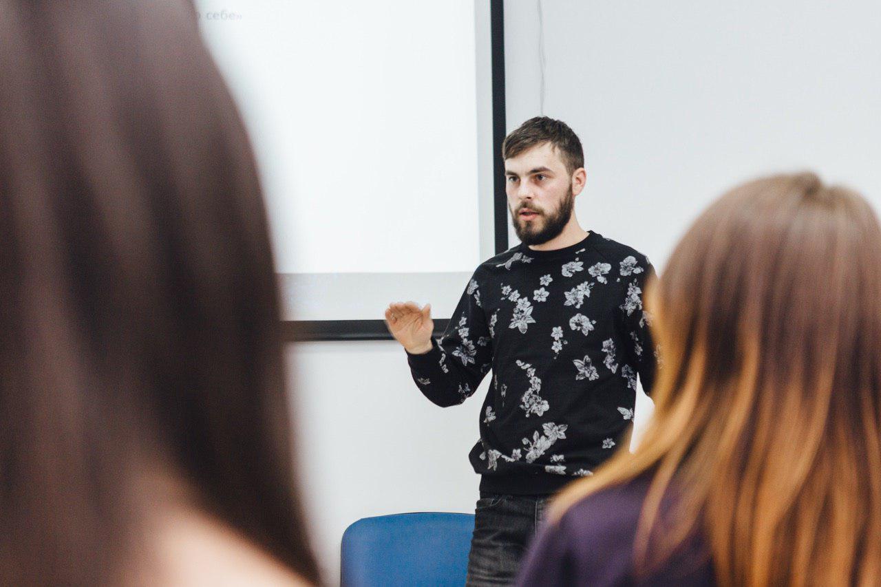 Багатогранність у бородатому дизайнері. Василь Лабич про дизайн, сім'ю, музику та бізнес