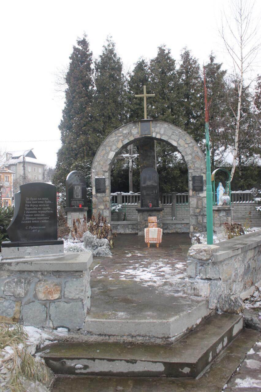 Коломияни вшанували пам'ять ліквідаторів Чорнобильської АЕС