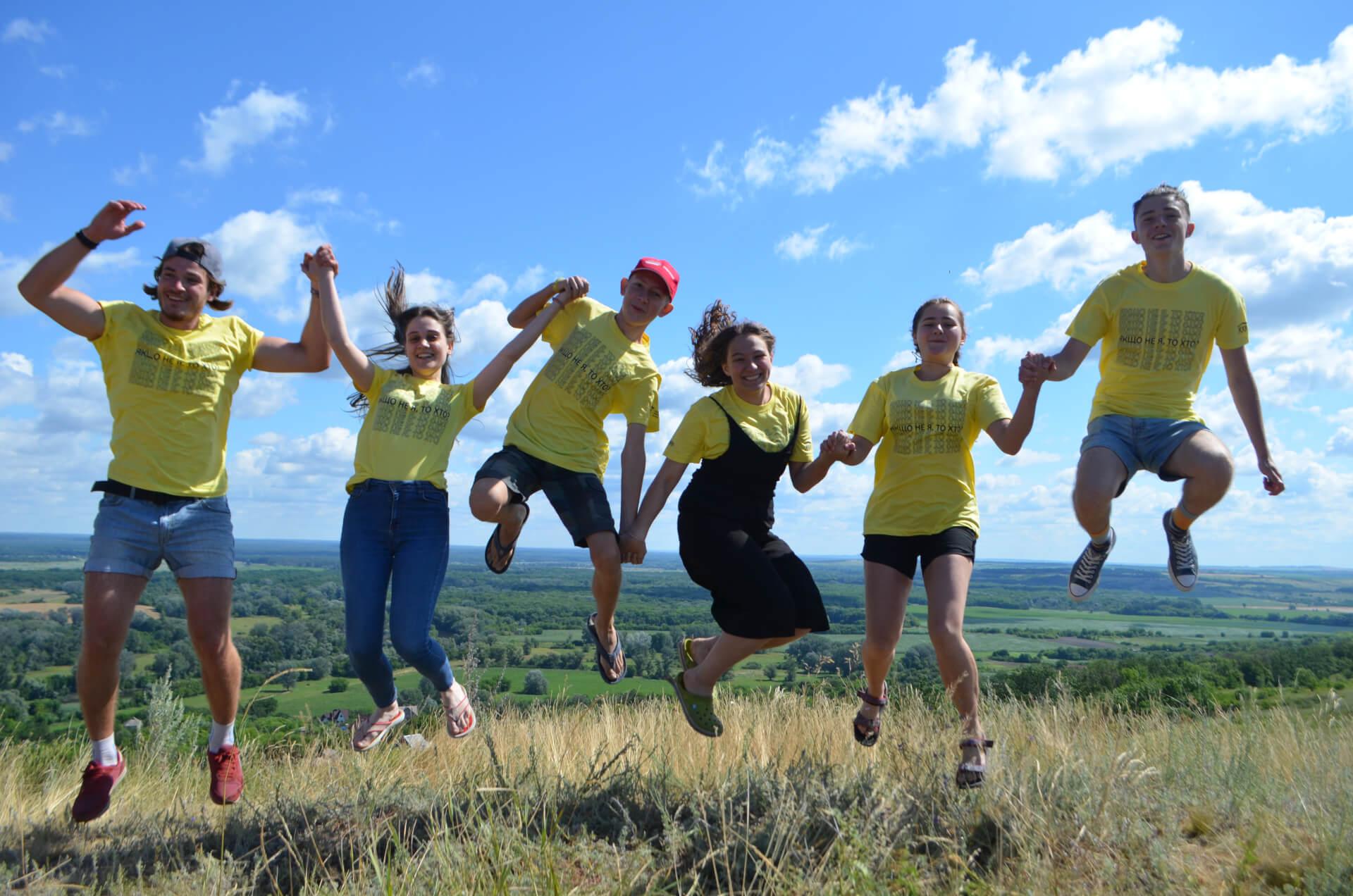 БУРне волонтерство: історія одного з найвпізнаваніших всеукраїнських рухів