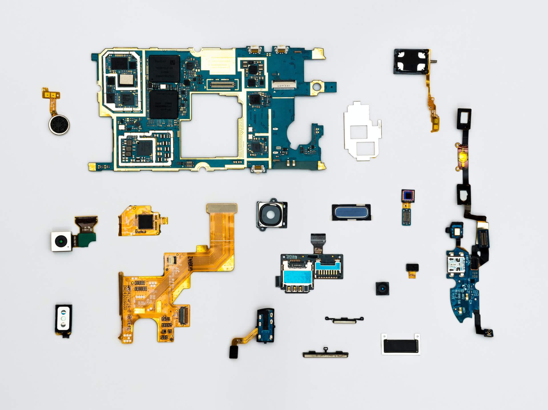 Штучний інтелект у боротьбі зі злочинністю та життя на Венері — останні новини світу технологій