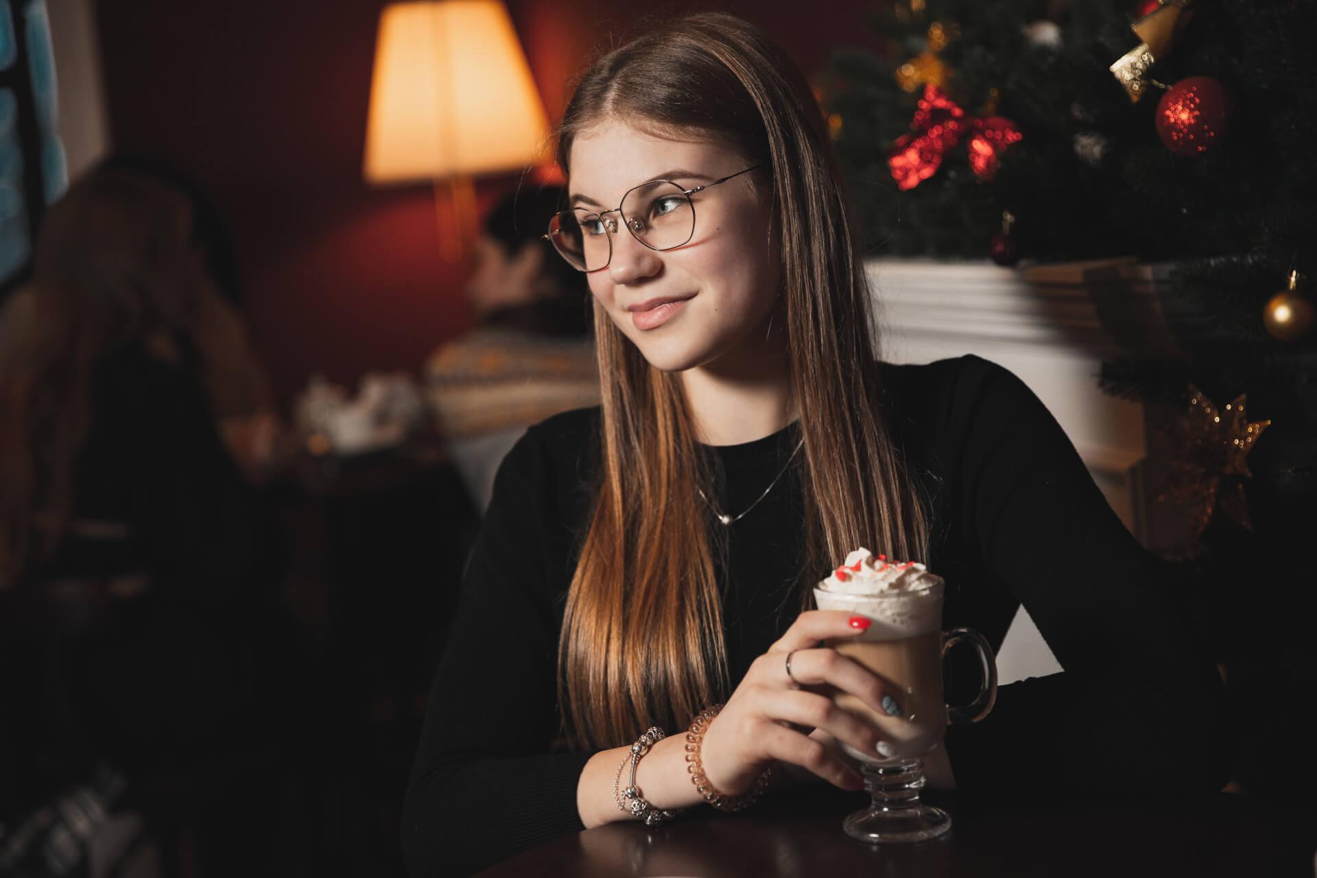 Як Каріна Смушак у 14 стала блогеркою та почала заробляти