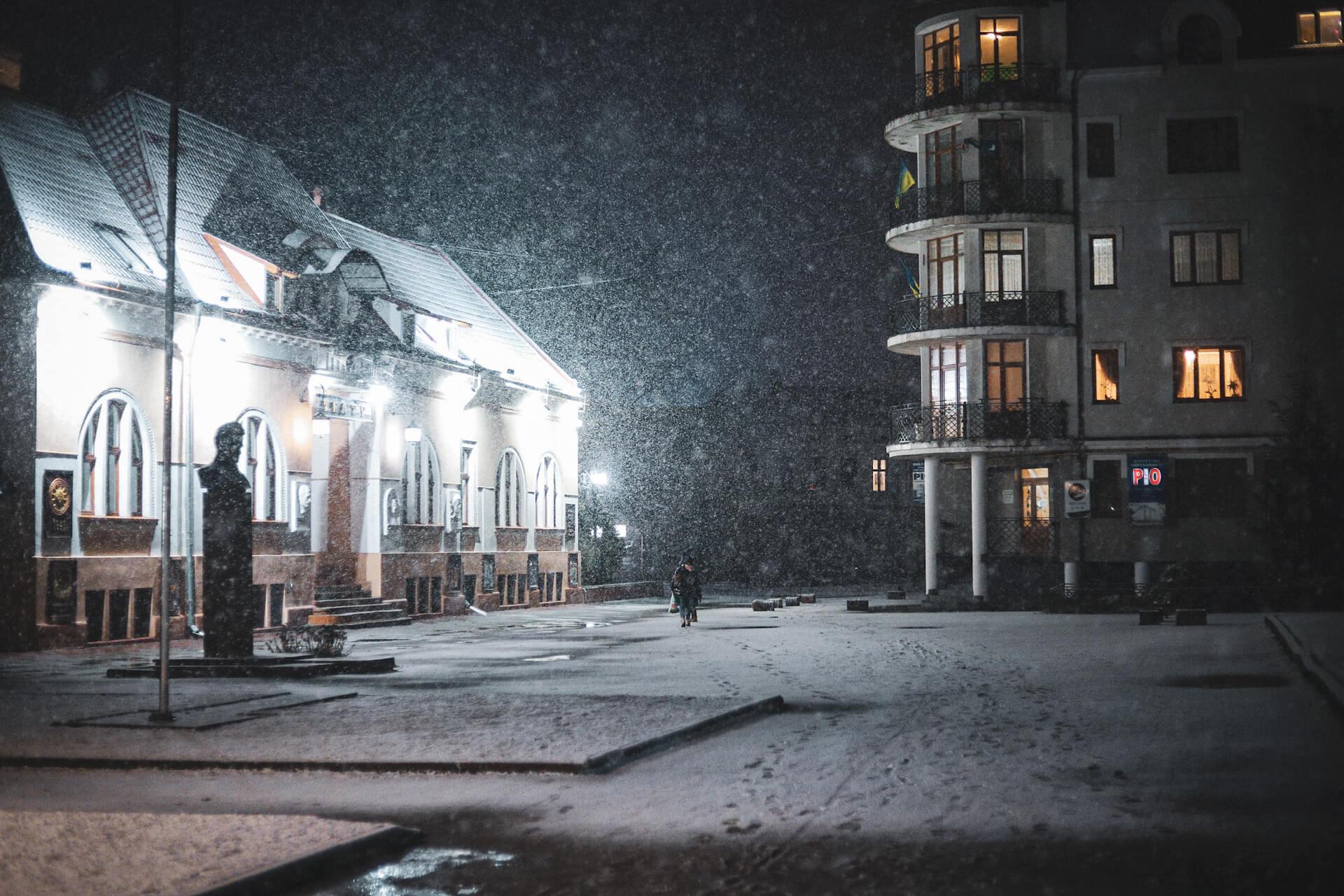 Зима вперто не здається. 15 світлин весняної Коломиї в снігу