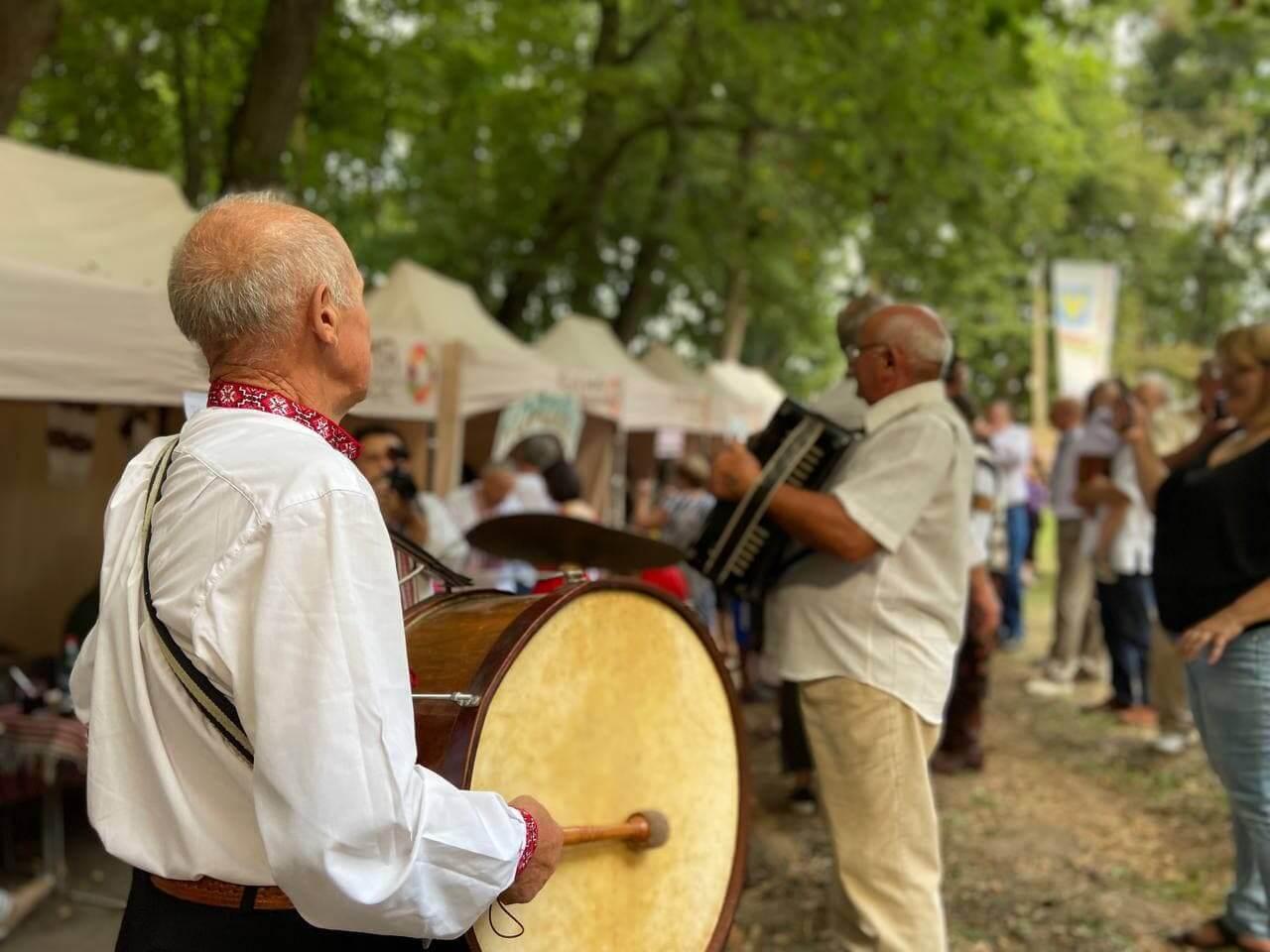 """Їж скільки влізе: відбувся гастрономічний фестиваль """"Коломийська лижка"""""""