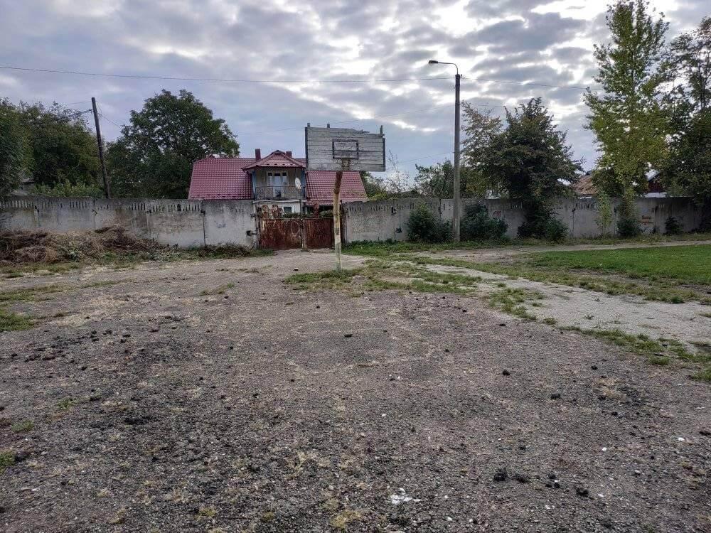 Коломиян закликають підписати петицію про доукомплектування баскетбольного майданчика